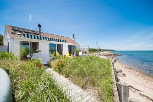 move to the hamptons - family home in east hampton